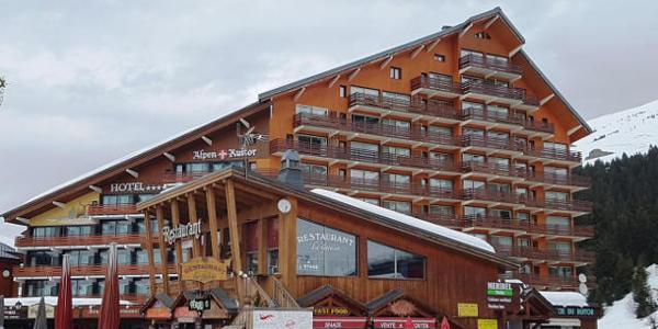 meribel skiing packages lat travel. Black Bedroom Furniture Sets. Home Design Ideas